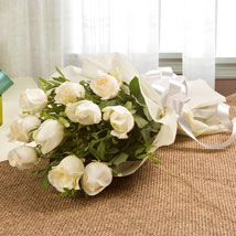 24 white roses bunch