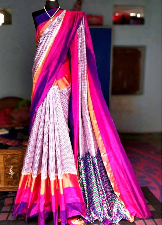 Pochampally ikat purple Colour Checks Saree