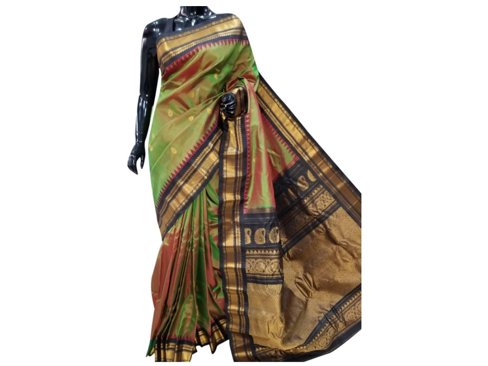 Green Color Handloom Gadwal Pure Silk Saree With Temple Design
